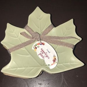 NWT Appetizer place set of two ceramic leaves